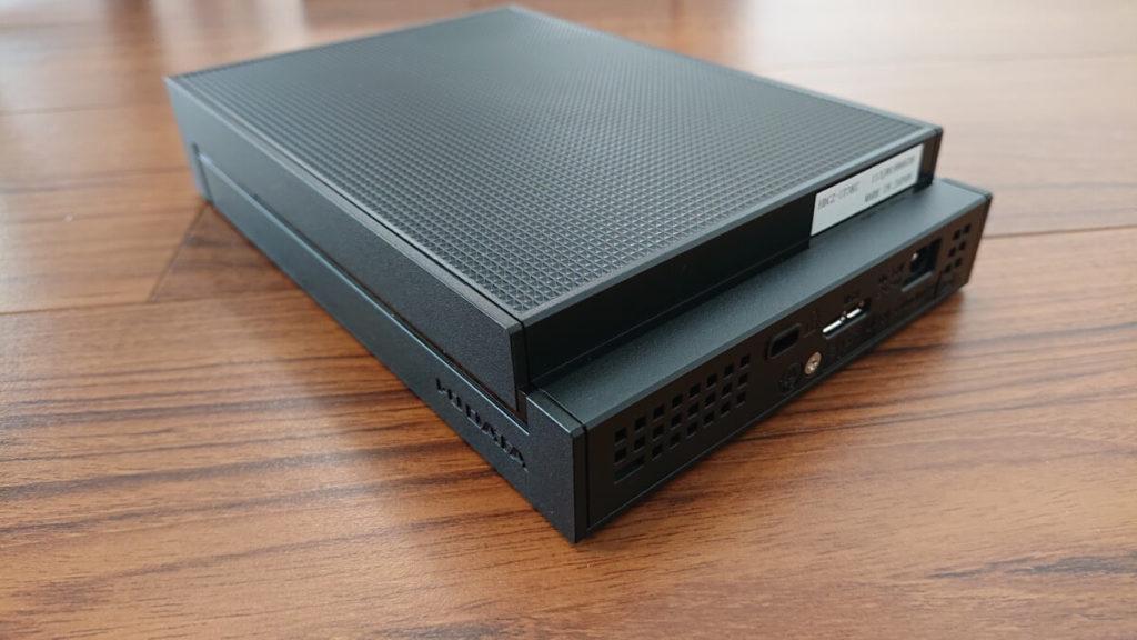 外付けHDD「HDCZ-UT3KC」背面