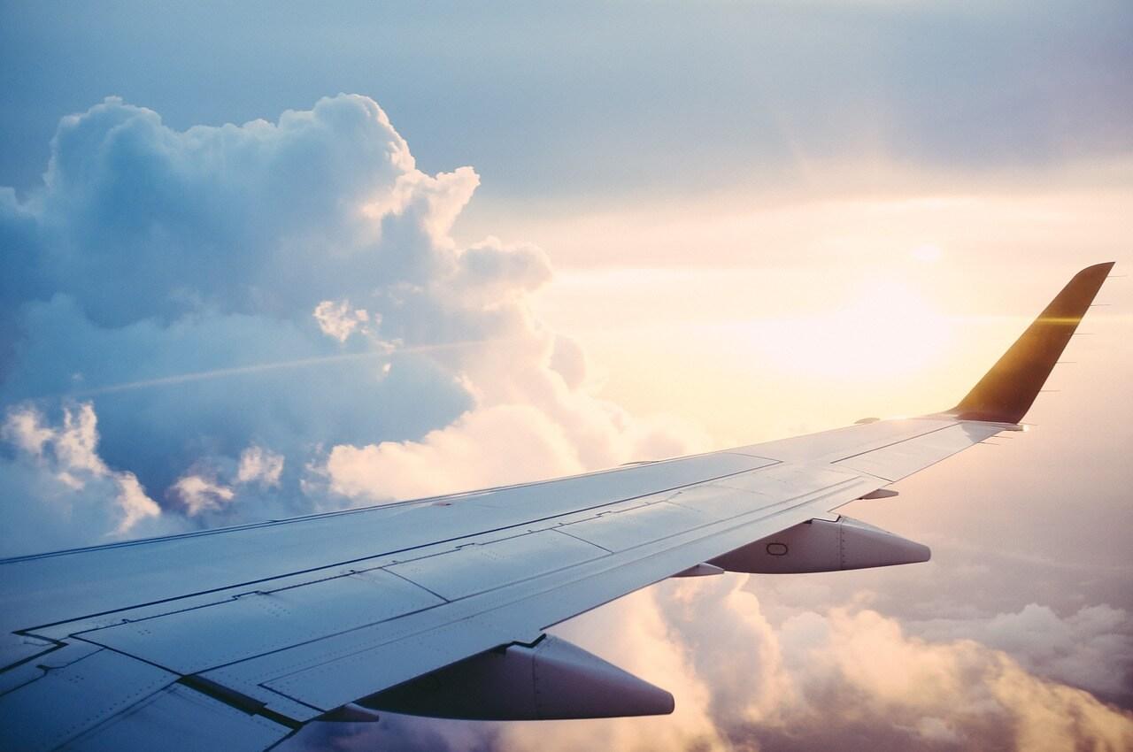 ハワイへの航空券の相場